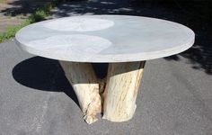 hasu-one- Andre Joyau table