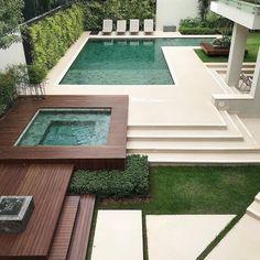 Instagram Modern Landscape Design, Modern Landscaping, Backyard Landscaping, Backyard Patio, Landscaping Design, Swimming Pools Backyard, Swimming Pool Designs, Pool Decks, Piscina Diy