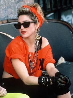 Madonna Desperately Seeking Susan retro party looks Look 80s, Look Retro, Cindy Lauper 80s, Style Année 80, 1980s Style, Petite Style, 80s Party Outfits, 80s Style Outfits, 80s Party Dress
