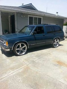 1985 chevy s10 blazer mine was dark blue with a silver rocker panel 1993 chevrolet blazer i need these rims on my truck publicscrutiny Image collections