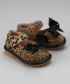 Take a look at this Leopard Black Bow Squeaker Mary Jane by Laniecakes on today! Little Diva, Cute Little Girls, My Little Girl, Cute Kids, Clogs Outfit, My Princess, Baby Girl Shoes, Girls Shoes, Squeaky Shoes