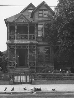 noirish Los Angeles - Page 10 - SkyscraperPage Forum Bunker Hill Los Angeles, American Gothic, Victorian Architecture, Old Houses, Custom Homes, Denmark, Big Ben, Abandoned, The Good Place