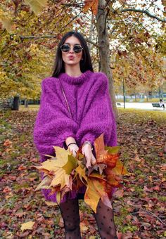 Puffy sweater, handmade by Wool Nomads Looks Style, Street Style Looks, European Street Style, Girls Blouse, Fashion Art, Womens Fashion, Purple Sweater, Tumblr Girls, Long Sweaters