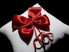 Almofadinha porta-alianças BUTTERFLY vermelha Designer Sayuri Murakami momoartesanatos@gmail.com momoartesanatosbrasil.blogspot.com momoartesanatos.elo7.com.br Rio de Janeiro - RJ - Brasil