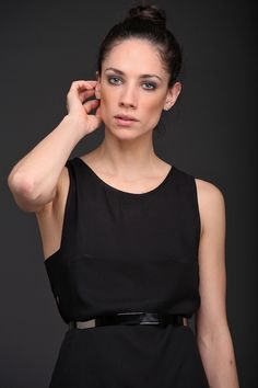 Cinto metálico disponible en 3 colores. Black, Dresses, Fashion, Black Gowns, Female Clothing, Fall Winter, Night, Budget, Colors