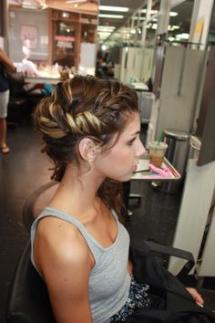 EVENT UPDO BY: CARACHELE TYVAN
