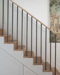 Adorable The beautiful staircase decor of the house becomes comfortable homemi Modern Staircase Adorable Beautiful comfortable Decor homemi House Staircase Modern Stair Railing, Stair Railing Design, Iron Stair Railing, Staircase Railings, Stairways, Railing Ideas, Iron Spindles, Stair Treads, Indoor Railing