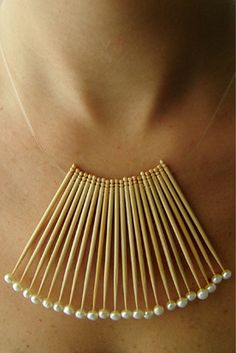 Jewelry design by Mana Bernardes: These are bamboo toothpicks tipped with pearls. Cute Jewelry, Boho Jewelry, Jewelry Art, Jewelry Accessories, Jewelry Design, Unique Jewelry, Recycled Jewelry, Jewelry Ideas, Fashion Jewelry