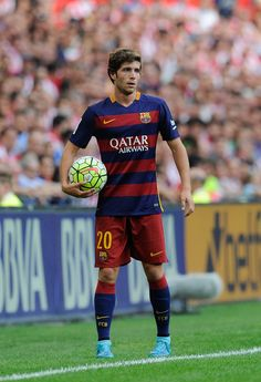 Sergi Roberto of FC Barcelona looks on during the La Liga match between Athletic Club and FC Barcelona at San Mames Stadium on August 23, 2015 in Bilbao.
