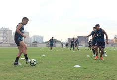 BotafogoDePrimeira: Victor Luis e Emerson Silva treinam com bola e pod...
