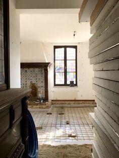 Uitvoering, doorbreken van muren ter vergroting van de badkamer ...