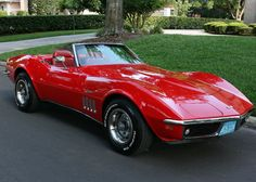 1969 Chevrolet Corvette Convertible - Pristine Classic Cars For Sale Corvette Cabrio, 1969 Corvette, Chevrolet Corvette Stingray, Car Chevrolet, Corvette Convertible, Corvette Summer, Classic Corvette, Chevy Classic, Bmw Classic Cars