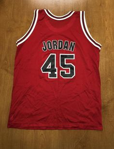 ce0b888b14a Vintage 1995 Michael Jordan Chicago Bulls 45 Champion Jersey Size Youth XL  40 nba finals hat