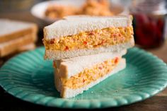 Pimento -- A decidedly Southern sandwich with Northern roots, pimento cheese is a simple mix of Cheddar, red bell pepper and mayonnaise that touches both the upper classes and the lower. Pimento Cheese Sandwiches, Pimento Cheese Recipes, Pimiento Cheese, Cheese Burger, Cheddar Cheese, Fresco, Sammy, Wrap Sandwiches, Southern Recipes
