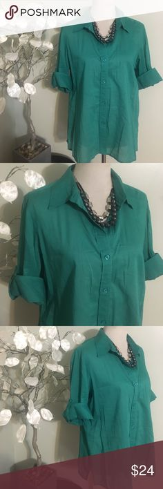 CHICO'S GREEN BLOUSE Beautiful top in perfect condition, 100% cotton Chico's Tops Blouses