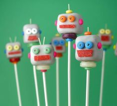 Super fun robot cakepops by Bakerella | 10 Creative Cake Pops ~ Tinyme Blog
