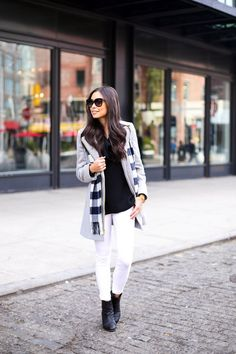 White skinny jeans with grey coat