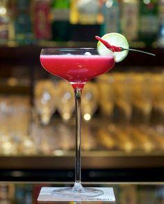 Aperitivo? #drink #aperitivo #apericena #buonasera #goodevening #bonsoir #spicy #spices #instapic #instabest #instacool #instagood #instadaily #instamood #instafollow #drinks #cheers #cheersofinstagram #profumo #profumiecibo #followme  (presso il piccolo istrione)
