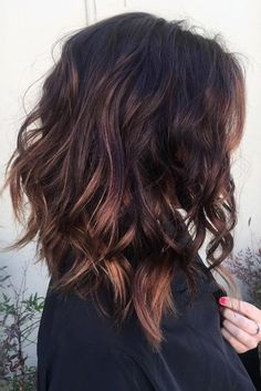 layered brunette lob hair ideas for women - Long Bob Frisuren Brunette Lob, Brunette Hair With Highlights, Natural Highlights, Lob Hairstyle, Hairstyle Ideas, Makeup Hairstyle, Lob Haircut Thick Hair, Long Bob Haircut With Layers, Fade Haircut