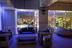 La #GuiaAlmagro te invita a visitar Cofa Bar, la nueva terraza en altura de Las Condes con vista de 270º y la más lujosa coctelería. http://www.almagro.cl/laguiaalmagro/2015/04/cofa-bar-lounge/