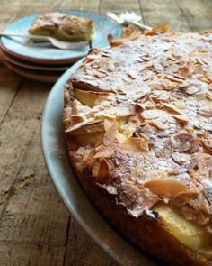 Tarte Normande (recipe in Dutch) Dutch Recipes, Sweet Recipes, Baking Recipes, Cake Recipes, Dessert Recipes, Food Cakes, Cupcake Cakes, Sweet Bakery, Sweet Pie