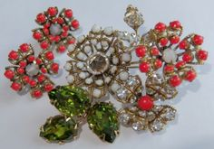 VINTAGE-SCHREINER-RED-GREEN-CRYSTAL-RHINESTONE-FLOWER-BROOCH-EARRINGS