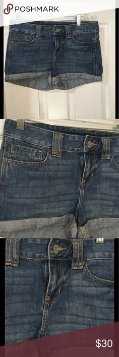 """Gap size 4 Blue Jean shorts NWOT 100% Cotton..measures 32"""" waist..3"""" inseam..New without tags GAP Shorts"""