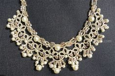 CasaERBA: Tatting Necklace with Baroque Pearl and Triangle Beads