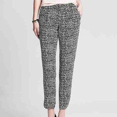 Banana Republic soft print pant (NWT) Chic and comfortable pant, NWT, Petite 4 Banana Republic Pants