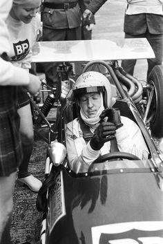 Winner Jochen Rindt on Lotus Ford Formula Internationales Flugplatzrennen Tulln-Langenlebarn, Austria, Photo by Erwin Jelinek Jochen Rindt, Classic Race Cars, Like Image, Call Backs, Formula 1, 1990s, Austria, Lotus, The Past