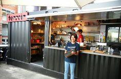 Muitas são as opções de infraestrutura para quem quer iniciar o negócio de lanches rápidos, também conhecida como snack-bar ou fast-food. E...