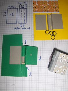 Pärm- tutorial for file boxes Modern Dollhouse, Diy Dollhouse, Dollhouse Miniatures, File Binder, Dollhouse Miniature Tutorials, Garage Kits, Dollhouse Accessories, Tiny Treasures, Projects To Try