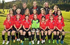 #urheilukuva #joukkuekuva #jalkapallo #futis #meidanjengi #muotokuva #valokuva #kuvaverkko © Kuvaverkko Oy