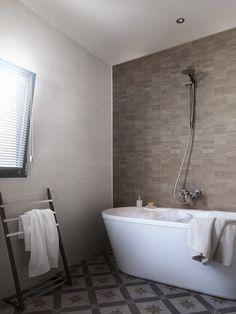 17 Best Bathroom Tile Alternatives