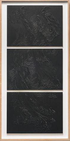 Bas-relief @ Galerie Dutko Paris Aqualaque sur papier aquarelle