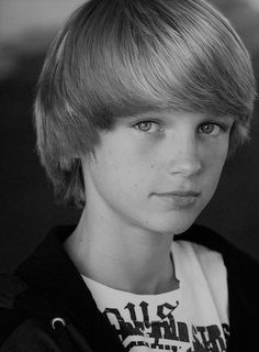 "wjarboe: ""Shared from Photos app "" Beautiful Children, Beautiful Boys, Short Hair Cuts, Short Hair Styles, Bowl Haircuts, Androgynous Hair, Kids Photography Boys, Boys Long Hairstyles, Boy Face"