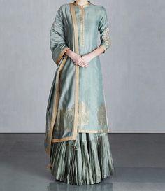 Best Trendy Outfits Part 38 Pakistani Dress Design, Pakistani Dresses, Indian Dresses, Sharara Designs, Kurta Designs Women, Indian Attire, Indian Ethnic Wear, Ethnic Outfits, Indian Outfits
