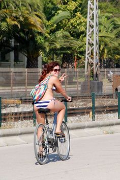 DSC_9398 by Lisbon Cycle Chic, via Flickr