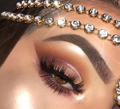 eyeshadow tips - Eyeshadow Tutorial Makeup Dupes, Glam Makeup, Pretty Makeup, Makeup Inspo, Makeup Inspiration, Beauty Makeup, Makeup Geek, Eyeshadow Tips, Eyeshadows