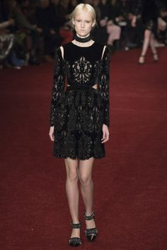 Erdem Fall 2014 RTW - Review - Fashion Week - Runway, Fashion Shows and Collections - Vogue