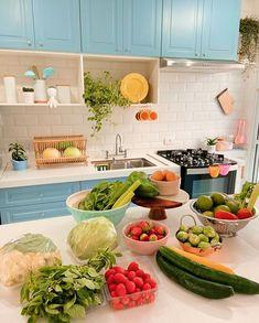 """Danni Ricci - A Casa 06 no Instagram: """"Amados, como tava contando nos stories, a estratégia da minha dieta mudou um pouco, e estou começando hoje uma nova etapa. Agora ainda com…"""""""