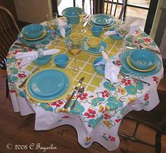 Tablescape using Post 86 Fiesta® Sunflower and Turquoise Dinnerware | The Little Round Table