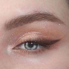 Makeup Eye Looks, Eye Makeup Art, Cute Makeup, Simple Makeup, Skin Makeup, Eyeshadow Makeup, Natural Makeup, Foil Eyeshadow, Yellow Eyeshadow