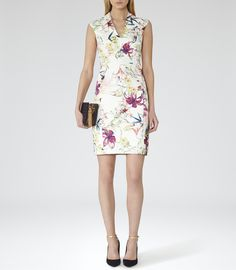 Need a new dress? Shop our extensive range of outlet dresses for sale online now. Perfect for event season, the office or a night out, our dress sale has plenty of stylish options. Reiss Looks, Reiss Dresses, Summer Wardrobe, Holiday Wardrobe, Dress Codes, Trendy Outfits, High Fashion, Dress Up, Dresses For Work