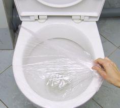 Une astuce insolite pour déboucher les toilettesnoté 4 - 6 votes Les toilettes bouchées sont vraiment une sacrée tuile ! Néanmoins, il fallait bien que votre enthousiasme au moment de vous servir trop généreusement en papier toilette se paye un jour et ce jour, c'est aujourd'hui. Mention spéciale à ceux qui jettent des choses qu'ils ne … More