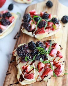 Grilled blackberry, strawberry, basil & brie pizza crisps
