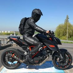 Image may contain: motorcycle and outdoor Ktm Motorcycles, Custom Motorcycles, Custom Bikes, Bmw Motorbikes, Moto Bike, Motorcycle Bike, Ducati, Bajaj Motos, Motos Retro