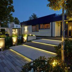 Gartenanlage Zaun Eingangstreppe Hofeinfahrt Vordach Architektur