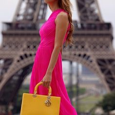 Can you guess where this exotic Lady Dior takes a stroll? Credit: patxotic #Diorvalley #Dior #LadyDior #ExoticBag #Pink #Paris #Eiffeltower #Fashionista