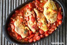 Een lekkere en gezonde ovenschotel met kip, spekjes en tomaten. Snel klaar en makkelijk om te maken.